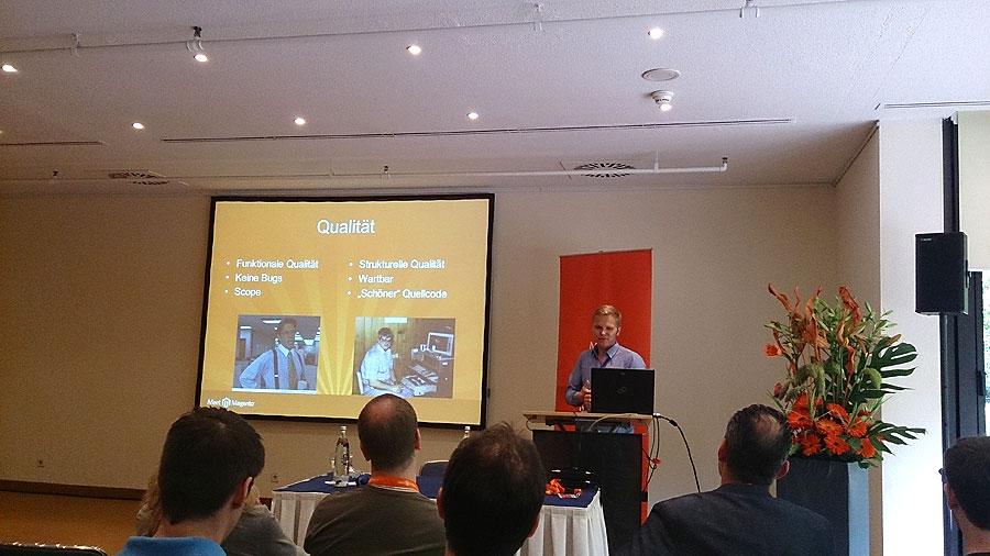 """#mm15de - Konferenz-Raum - Session """"Optimale Zusammenarbeit Projektmanagement & Entwickler"""" - Tobias Zander"""